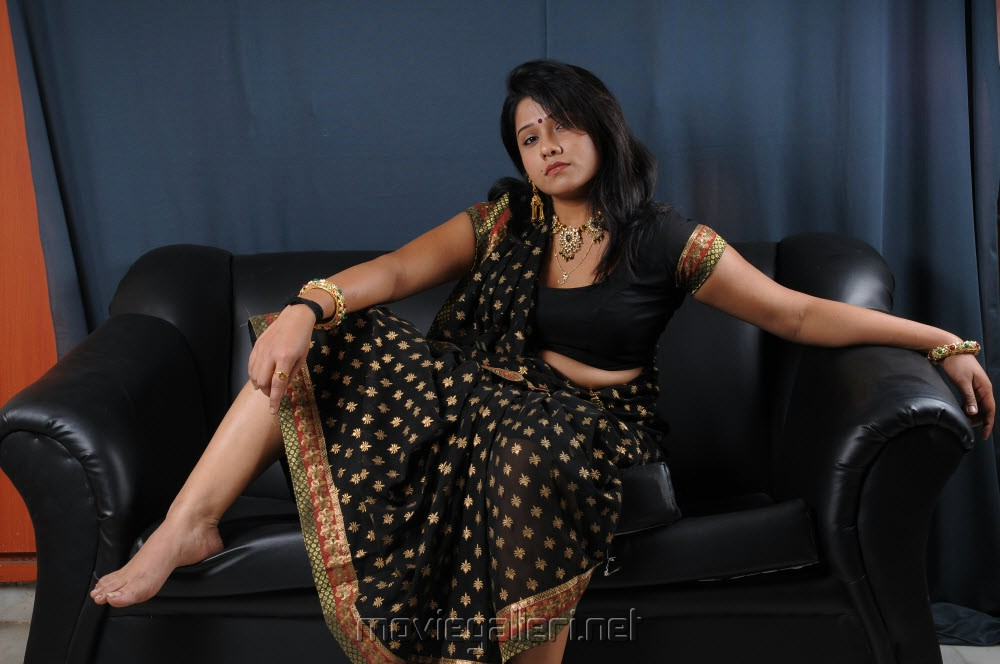 Picture 187560 Jyothi In Hot Saree Wallpapers New