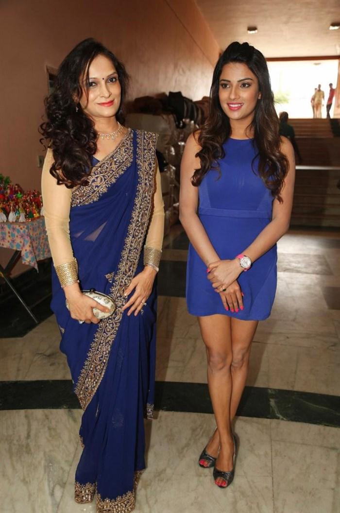 Jyoti Sethi & Bina Mehta launches Silk India Expo Photos