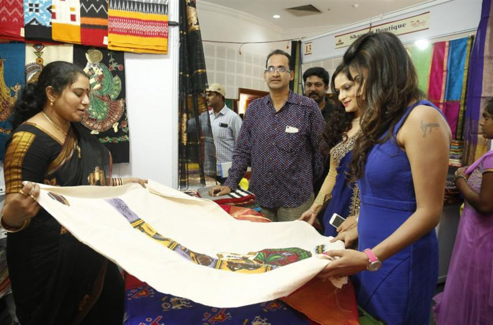 Jyoti Sethi & Bina Mehta launches Silk India Expo Photos