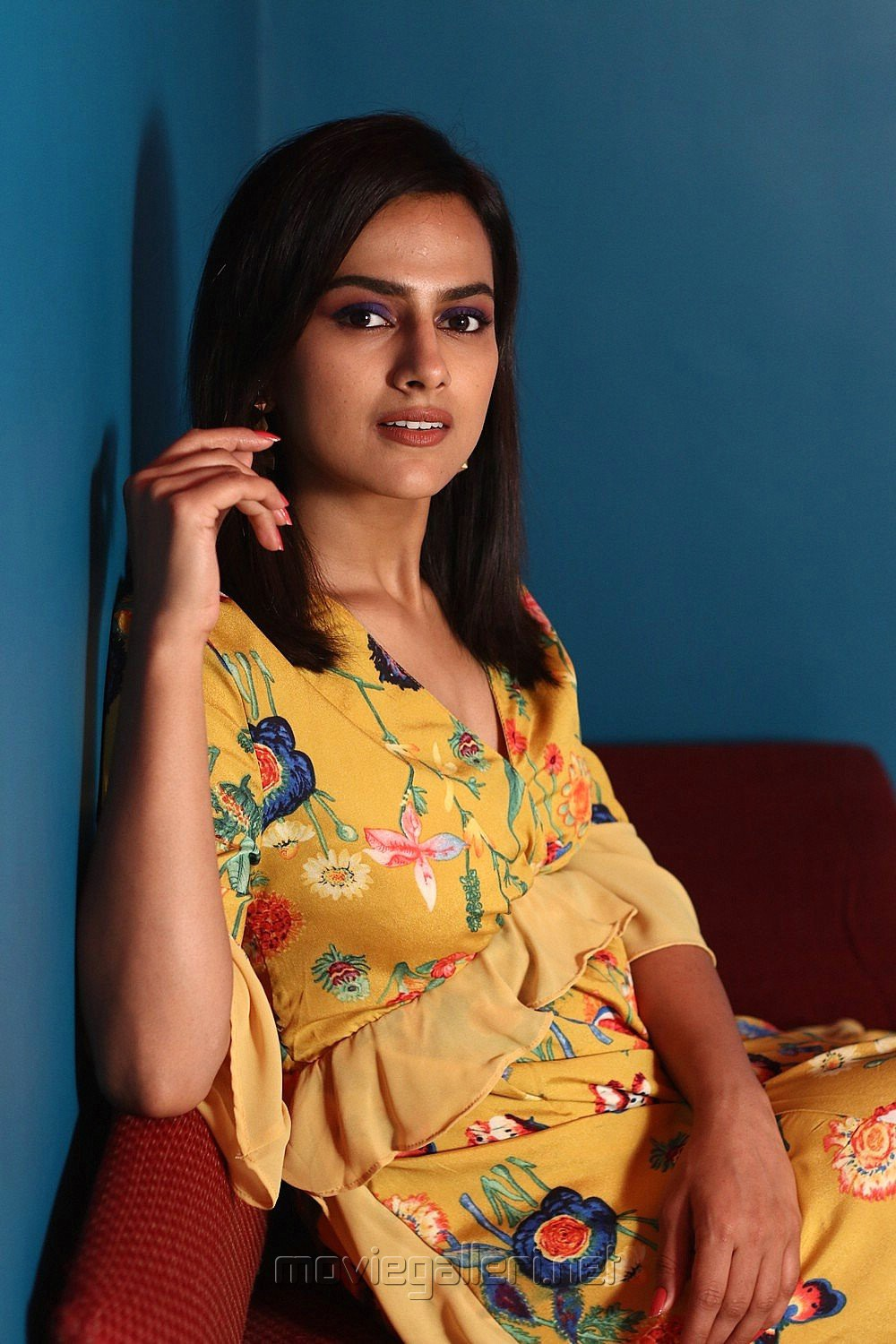 K13 Heroine Shraddha Srinath Photoshoot Stills HD