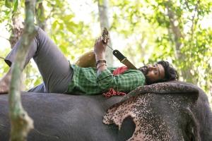 Kaadan Movie Actor Vishnu Vishal Images HD