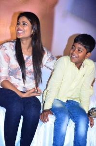 Aishwarya Rajesh, Ramesh Thilaganathan @ Kaaka Muttai Movie Audio Launch Stills