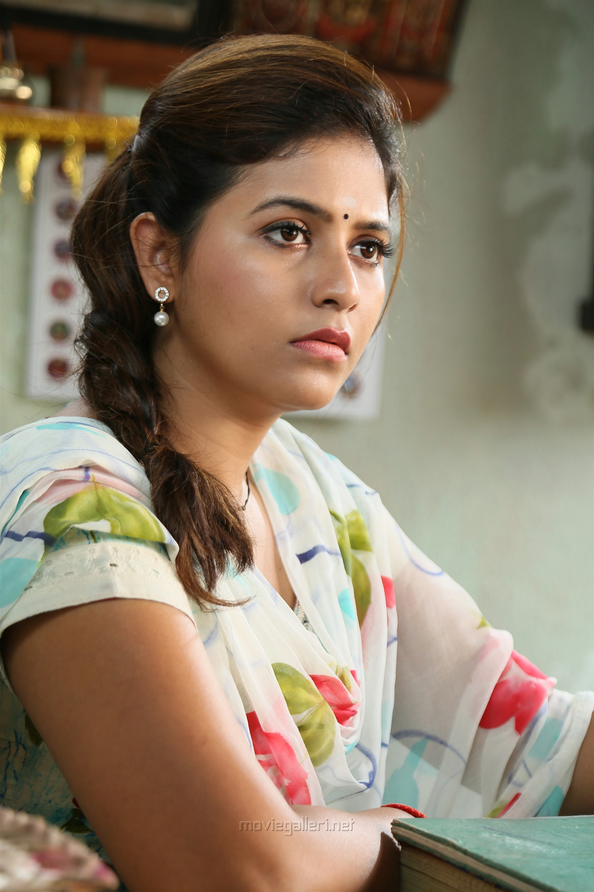Kaali Movie Actress Anjali Photos HD