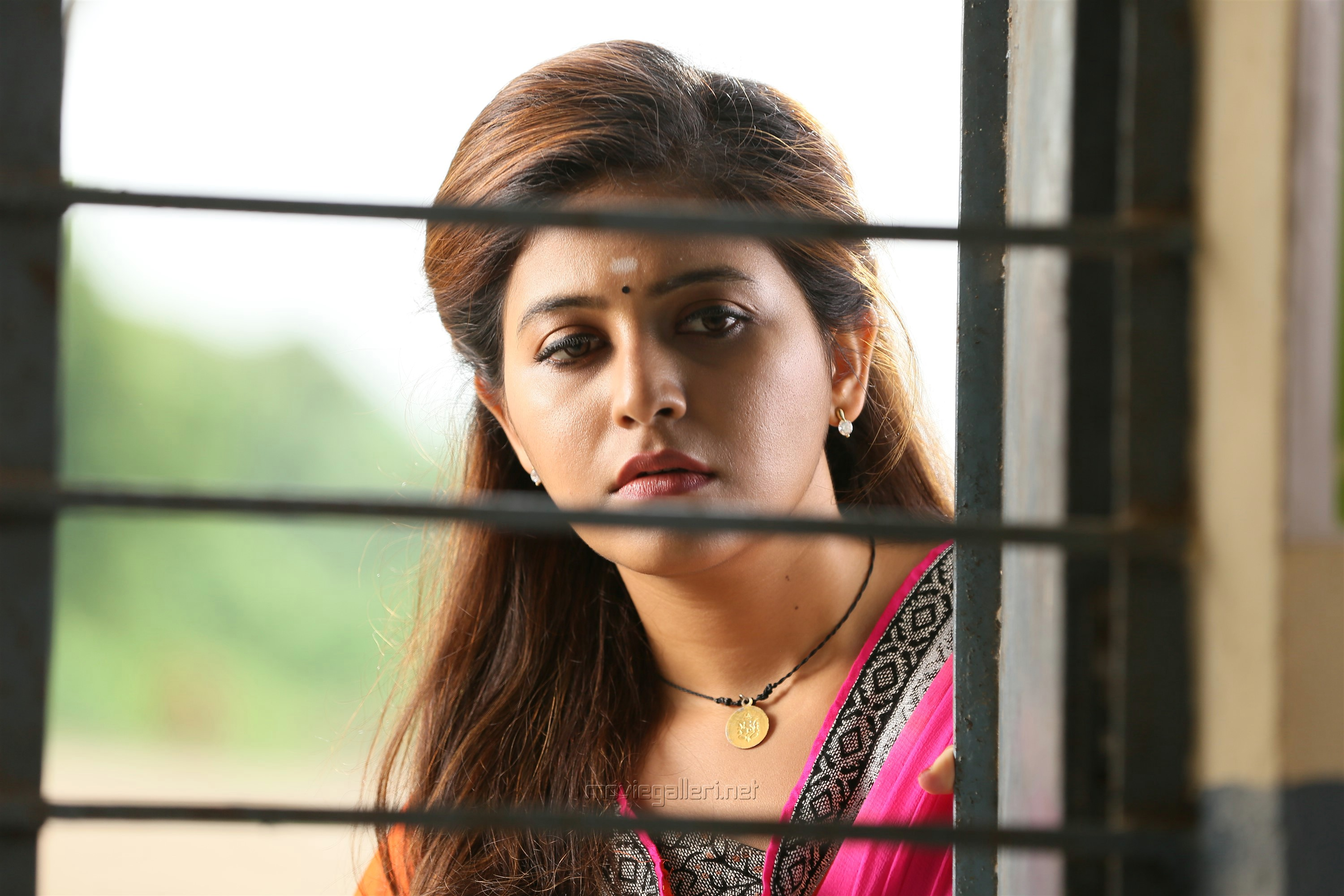 Kaali Movie Heroine Anjali HD Photos