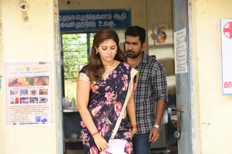 Kaali Movie Anjali Vijay Antony Photos HD