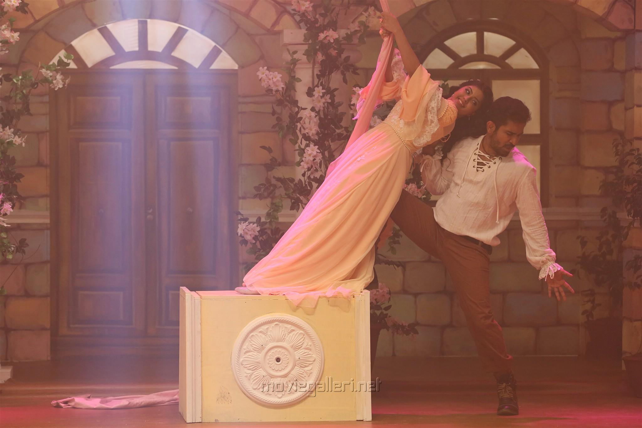 Amritha Aiyer, Vijay Antony in Kaali Movie Stills HD