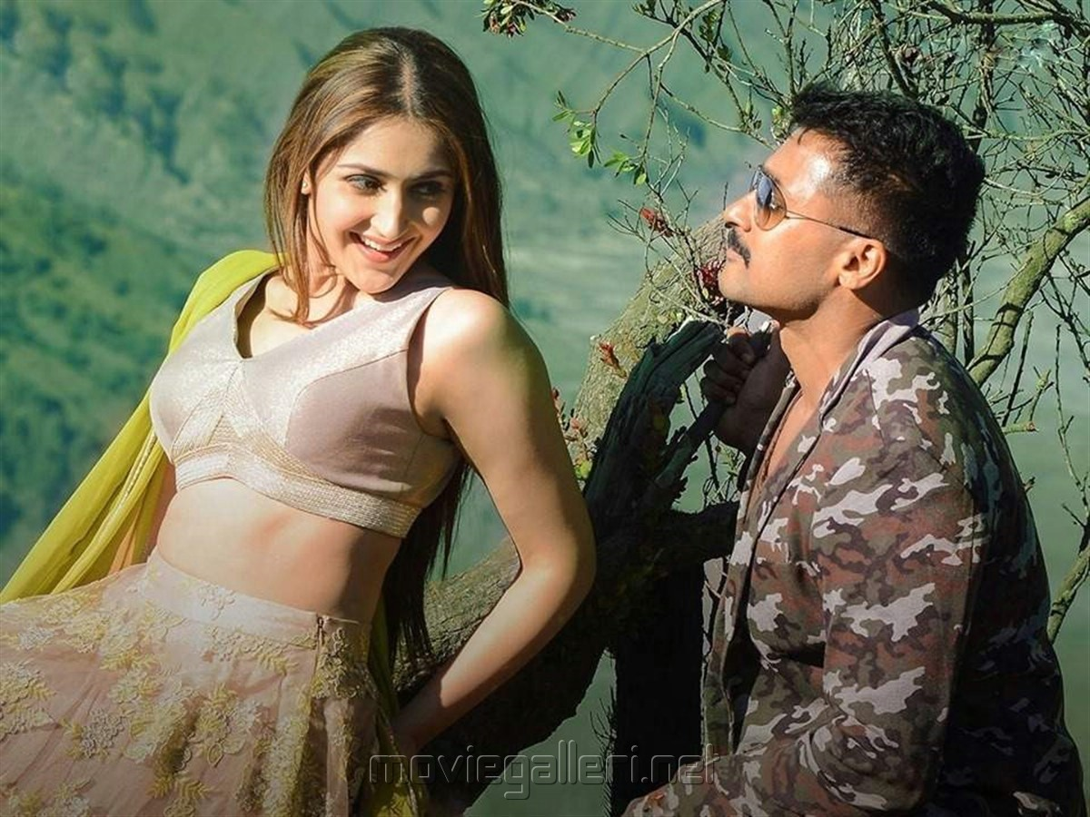 Sayesha, Suriya in Kaappaan Movie HD Photos