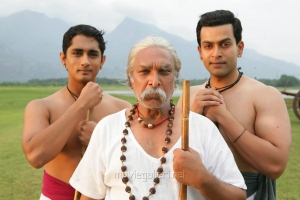 Siddharth, Nassar, Prithviraj in Kaaviya Thalaivan Movie Latest Photos