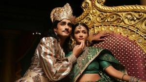 Siddharth, Anaika Soti in Kaaviya Thalaivan Movie New Stills