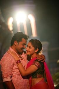 Karthi, Sayyeshaa in Kadaikutty Singam Movie Images HD