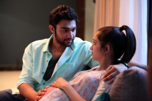 Abi, Akshara Haasan in Kadaram Kondan Movie HD Images