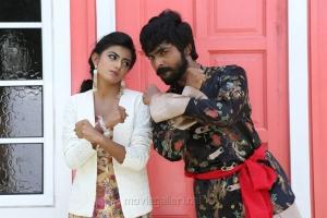 Anandhi, GV Prakash in Kadavul Irukan Kumaru Movie New Images