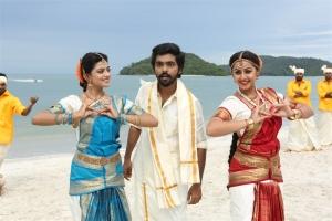 Anandhi, GV Prakash, Nikki Galrani @ Kadavul Irukan Kumaru Movie Working Stills