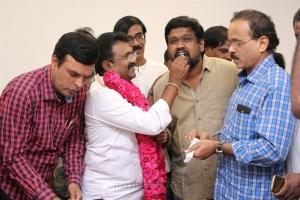 Kadavul Irukan Kumaru Teaser Launch Stills