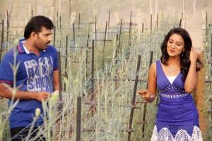 Sutharsan Raj, Mamatha Ravath in Kadhal Agathee Movie Photos