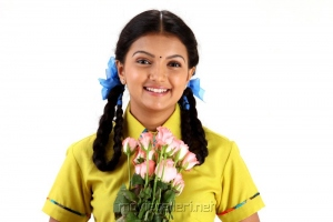 Actress Saranya Mohan in Kathalai Thavira Veru Ondrum Illai Movie Stills