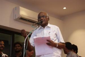 SP Muthuraman @ Kagitha Kappal Audio Launch Stills
