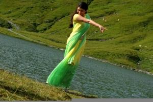 Thuppaki Kajal Agarwal Hot Green Yellow Saree Stills