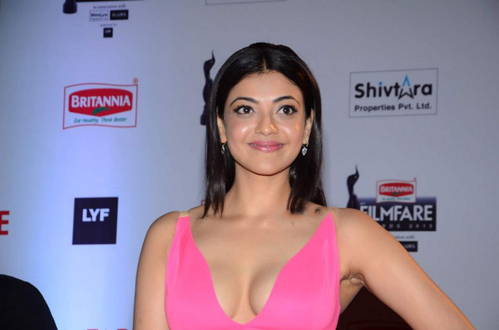 Kajal Agarwal Hot Stills @ 61st Britannia Filmfare Awards 2015