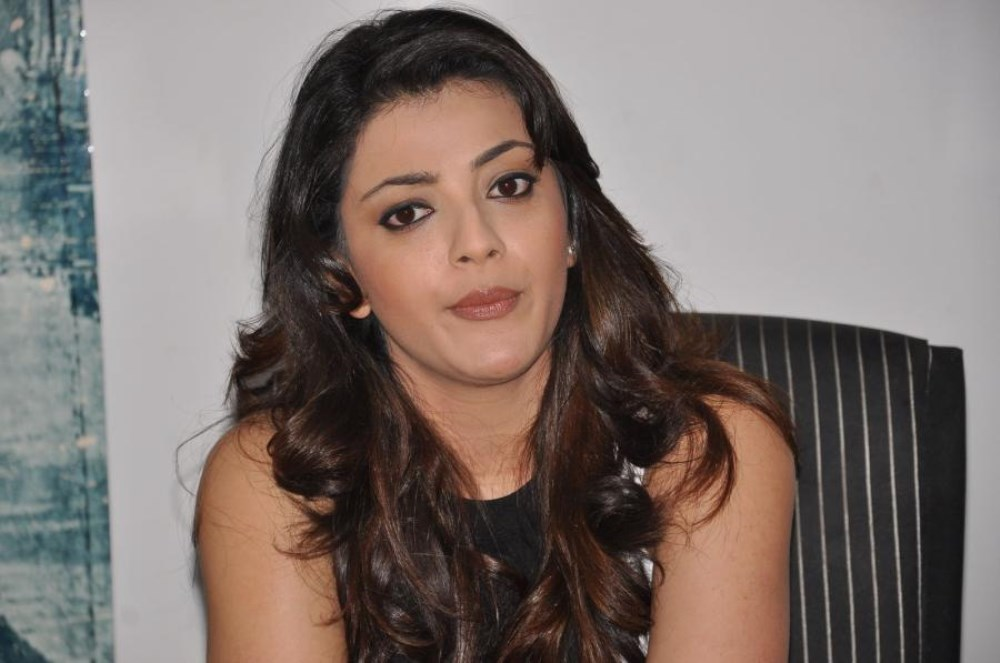 Yevadu Movie Actress Kajal Agarwal Interview Photos