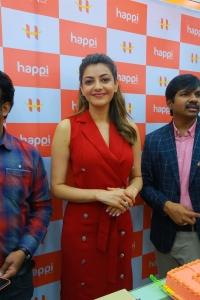 Actress Kajal Agarwal launches Happi Mobiles @ Hanumakonda Photos