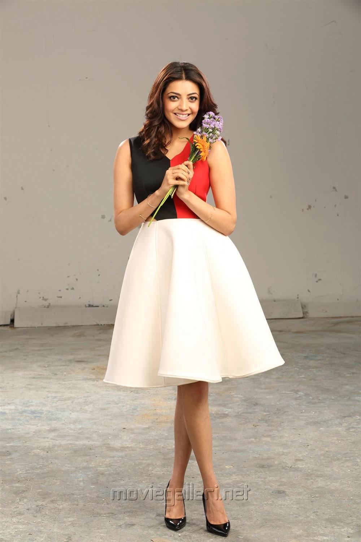 Actress Kajal Agarwal Stills in Enthavaraku Ee Prema Movie