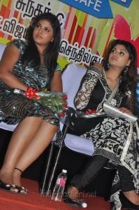 Anjali, Oviya at Kalakalappu Audio Launch Stills