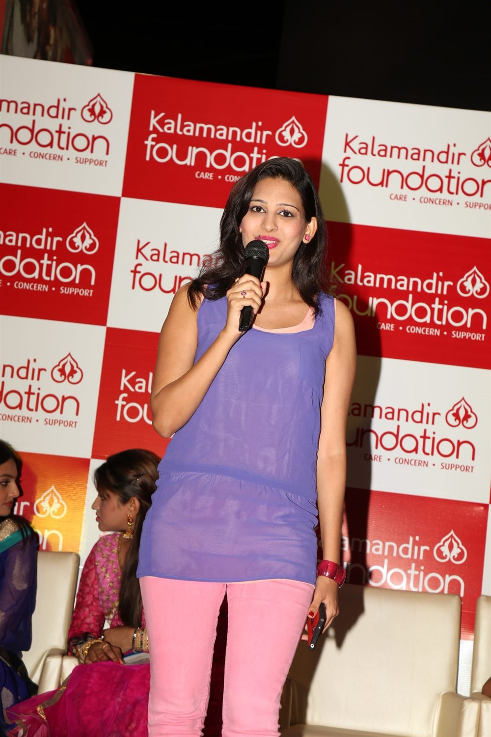 Shweta Jadhav @ Kalamandir Foundation 5th Anniversary Celebrations Photos