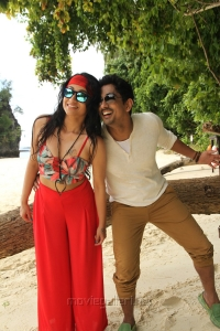 Trisha Krishnan, Siddharth in Kalavathi Movie Hot Photos