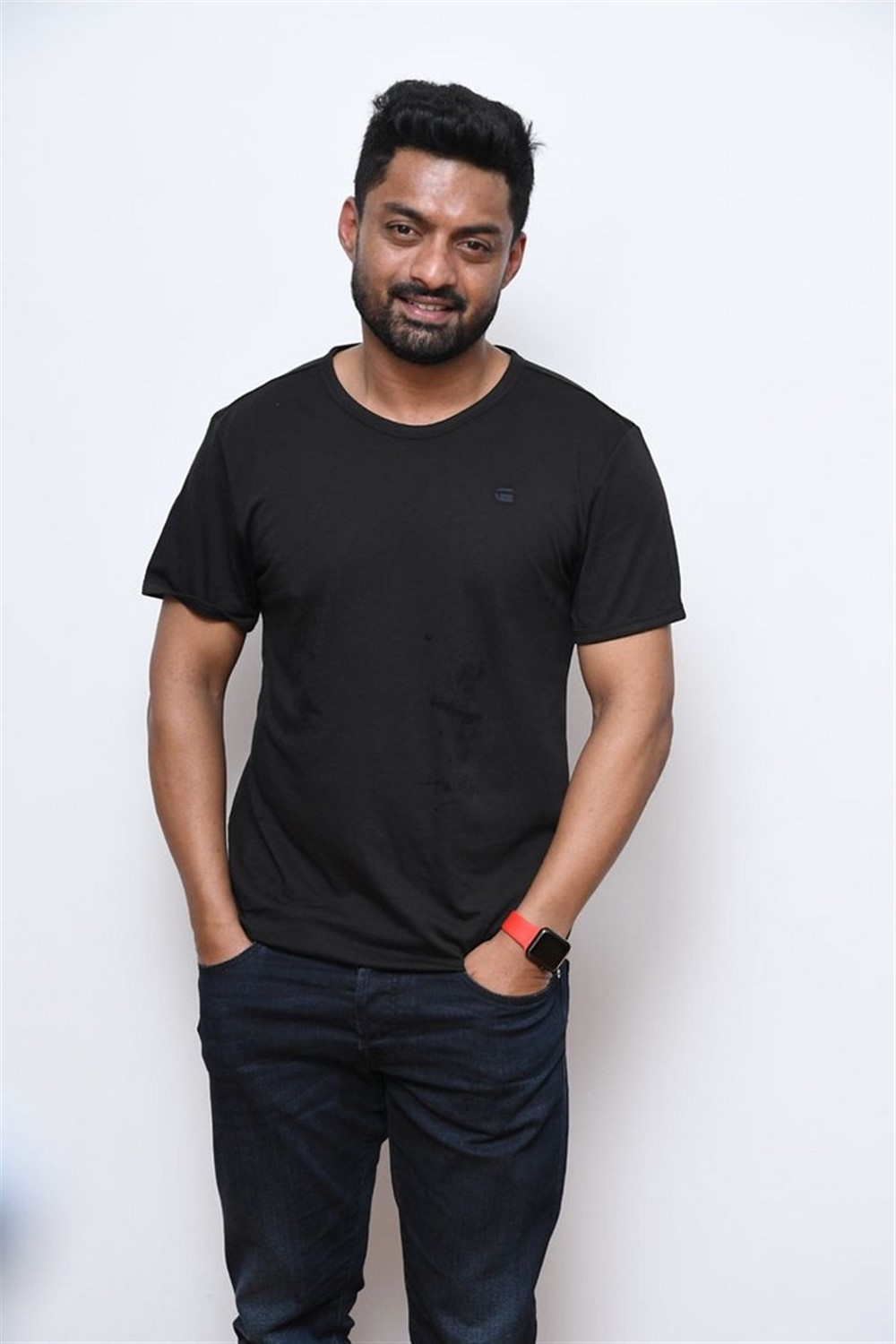 Naa Nuvve Movie Hero Kalyan Ram Interview Photos