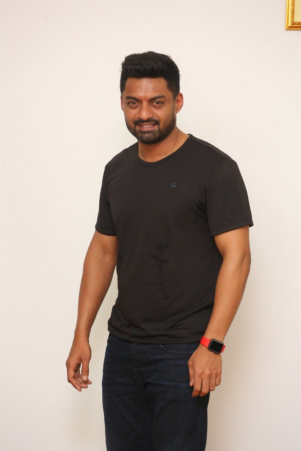 Naa Nuvve Hero Nandamuri Kalyan Ram Interview Photos