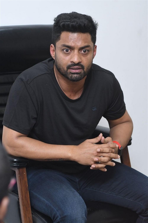 Naa Nuvve Hero Kalyan Ram Interview Photos
