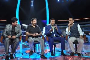 Kamal Hassan at Neengalum Vellalam Oru Kodi Show Photos
