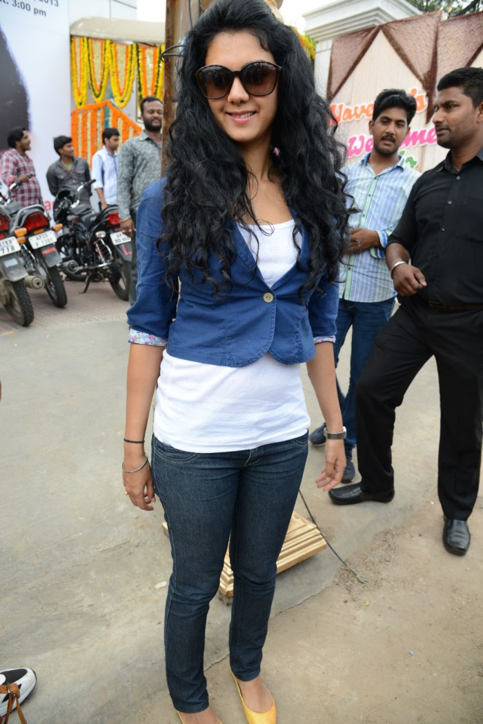 Kamana Jethmalani inaugurates Naveena's Slimming & Cosmetic Clinic Photos