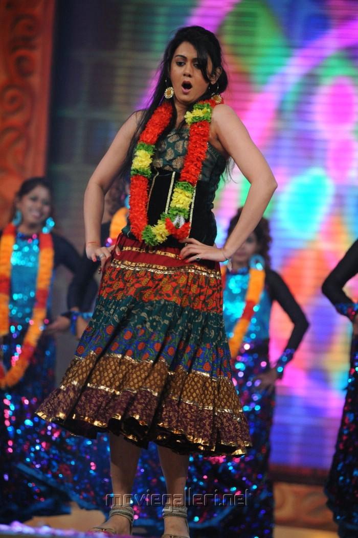 Kamna Jethmalani Hot Dance Performance Stills