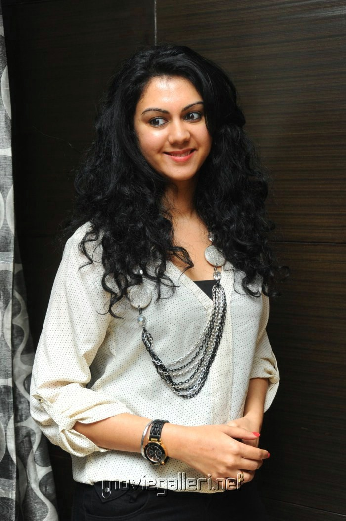 Kamna Jethmalani Latest Pics in White Dress