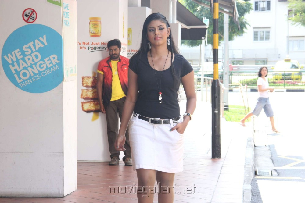 Actress Iniya Hot in Kan Pesum Varthaigal Movie Stills
