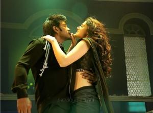 Raghava Lawrence, Tapsee in Muni 3 Tamil Movie Stills