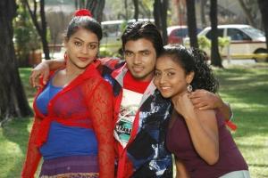 Kamali, Vishal & Prithiksha in Kandanam Movie Hot Photos
