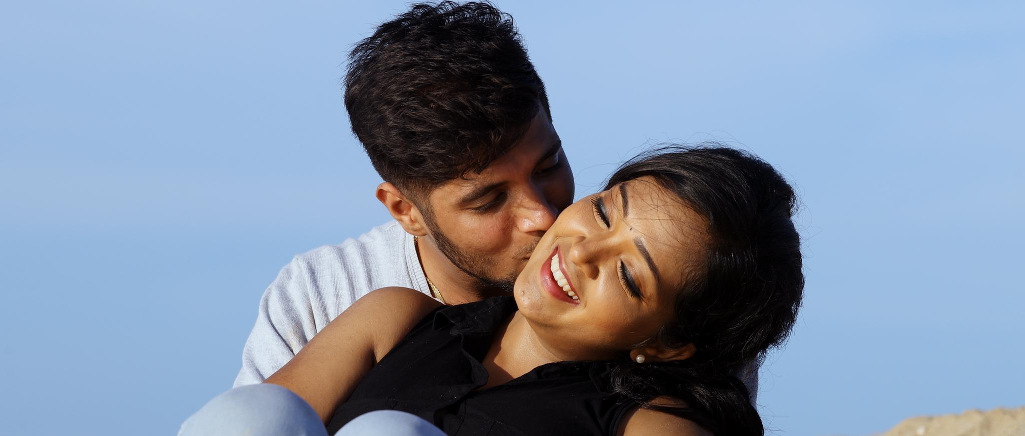 Adithya, Preethi in Kandathai Padikathe Movie Stills
