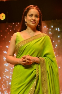 Thalaivi Movie Actress Kangana Ranaut Green Saree Pictures