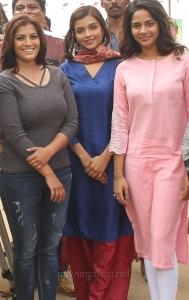Varalaxmi, Ashna Zaveri, Aishwarya Dutta in Kannitheevu Movie Photos