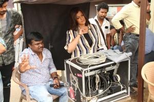 Sundar Balu, Varalakshmi in Kannitheevu Movie Photos