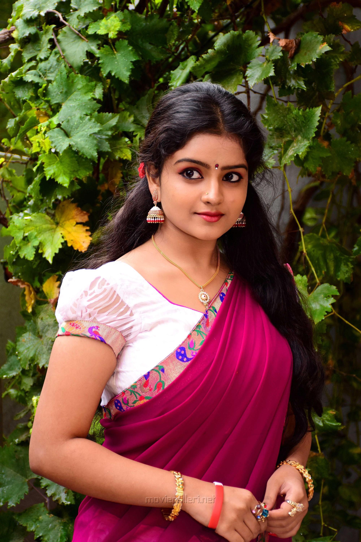 Actress Karonya Kathrin Saree HD Images