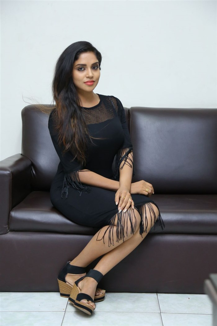 Actress Karunya Chowdary Photos @ Edo Prema Lokam Audio Launch