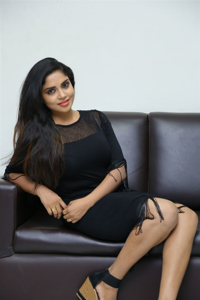 Actress Karunya Chowdary Photos @ Edo Prema Lokam Audio Launch