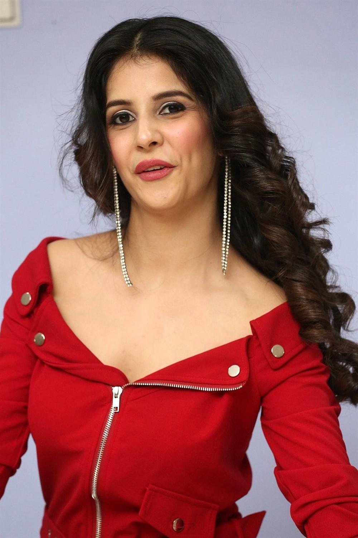 Actress Kashish Vohra Images @ First Rank Raju Teaser Launch