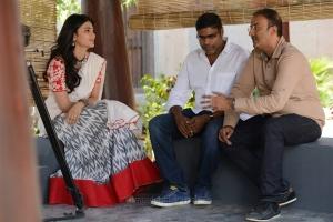 Shruti Haasan, Sharrath Marar @ Katamarayudu Working Stills