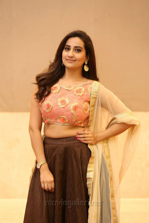 Anchor Manjusha @ Kavacham Movie Teaser Launch Photos