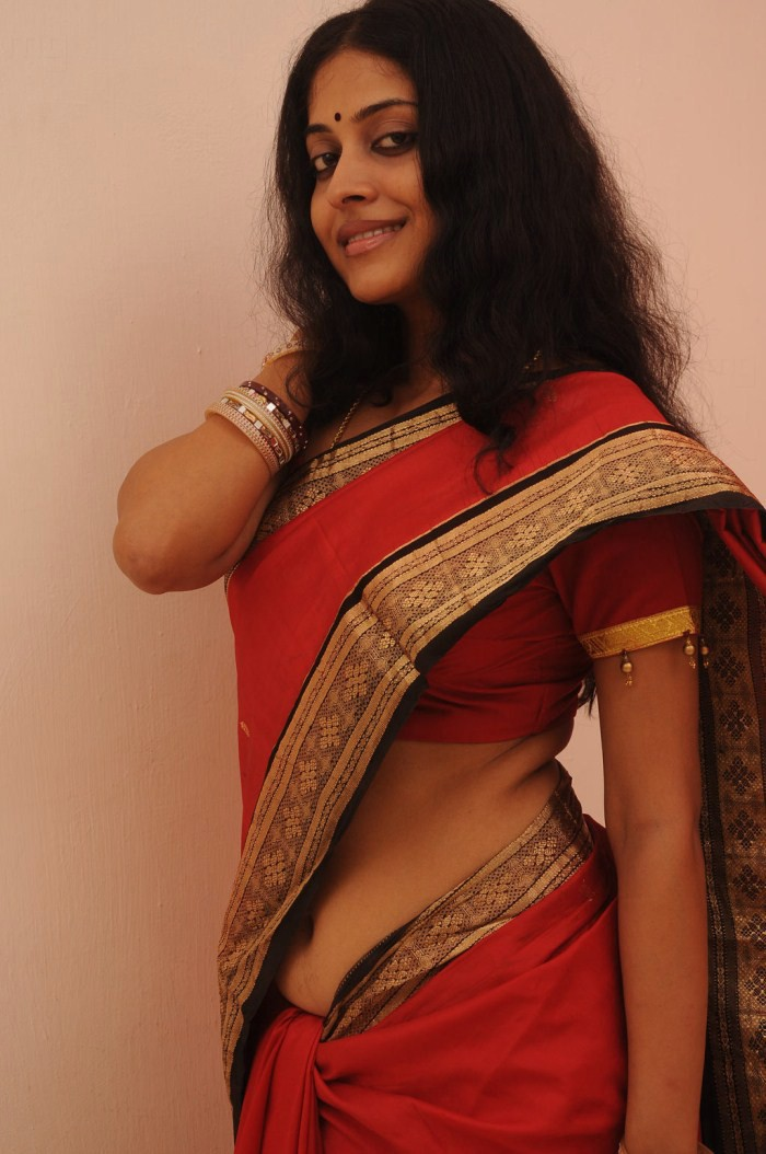 700 x 1054 jpeg 144kB, Hot Saree Blouse Navel Show PHotos Side View ...